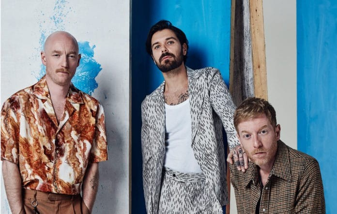 biffy_clyro_infinite_history_2020_2000-696x442-1